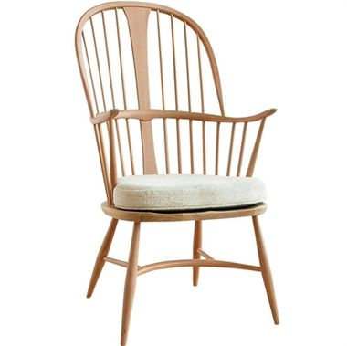 Originals Chairmakers Chair - The Chairmakers Chair marks the apex of the development of the Windsor chair and the embodiment of the chair-makers' skill.  Classically Ercol, these chairs are made with the traditional contrasting elm seat and beech frame.   While the colour contrast is particularly noticeable in a clear or light finish from the range, the Chairmakers Chair is also available in a selection of paint finishes to give your room a pop of colour.