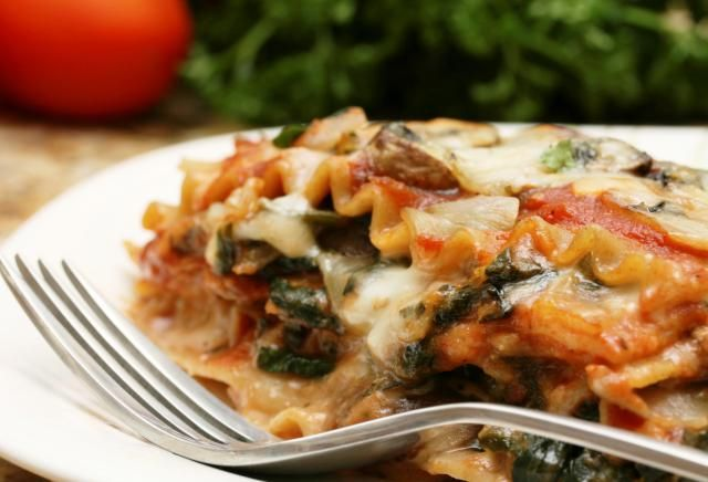 A Must-Try Whole Wheat Vegetarian Lasagna with Spinach