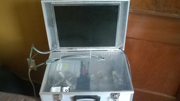 New Portable XBOX 360 with Monitor