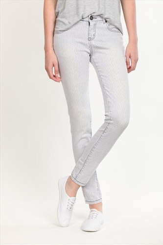 1000  ideas about Cheap Jeans on Pinterest   Closet essentials ...