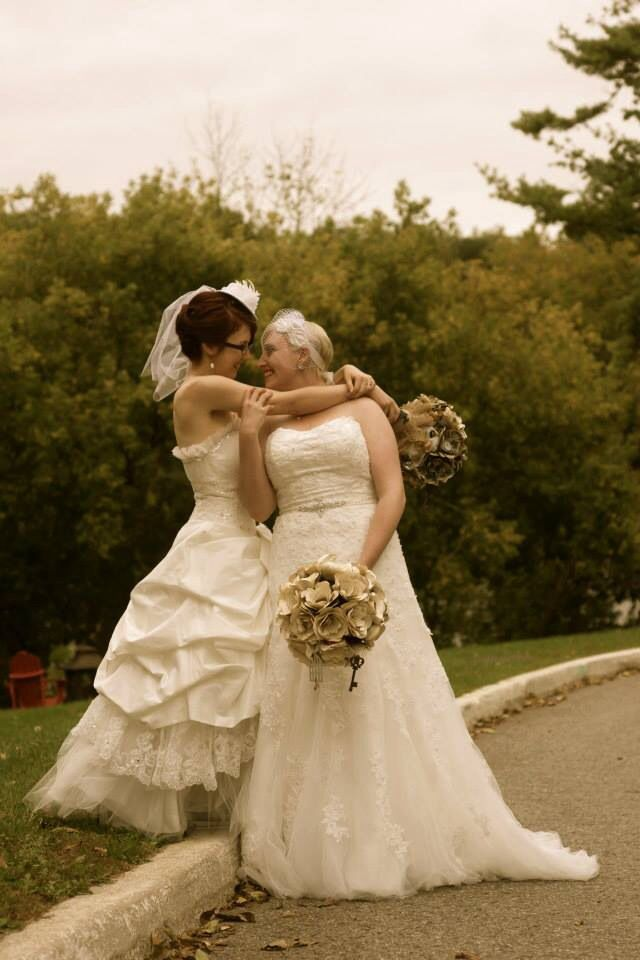 lesbian wedding dresses 22 best images about wedding photos ideas on 5502