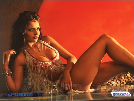 Nathalia Kaur's HOT item number in DEPARTMENT    http://www.glamsham.com/movies/scoops/12/apr/13-news-nathalia-kaurs-hot-item-number-in-department-041207.asp