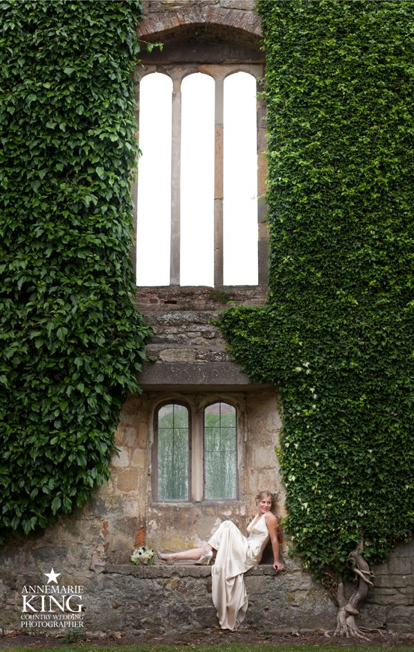 Annemarie King : York Wedding Photographer. Newburgh Priory near York. Stunning Jenny Packham gown.