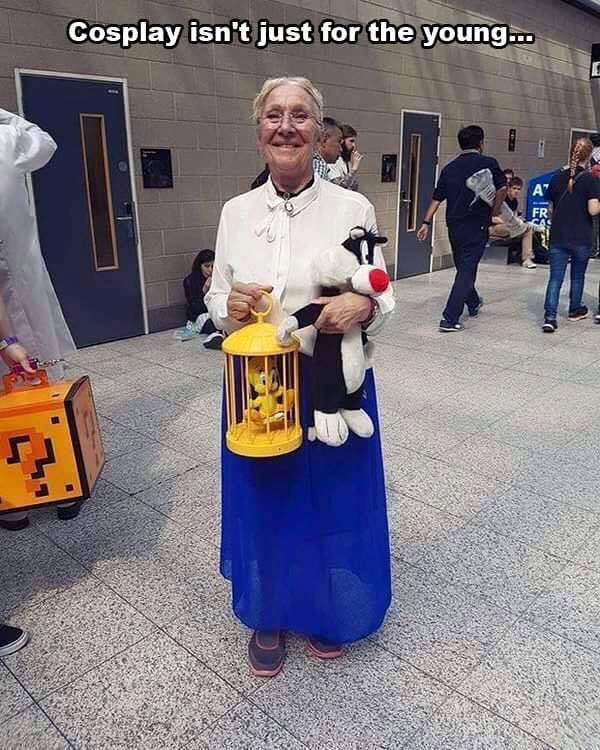 Cosplay Grandma tweety bird