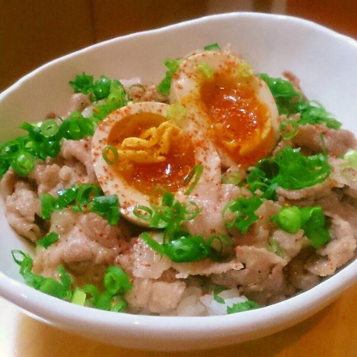 蜂蜜&新生姜タレdeさっぱり豚丼*半熟煮卵のっけ♪