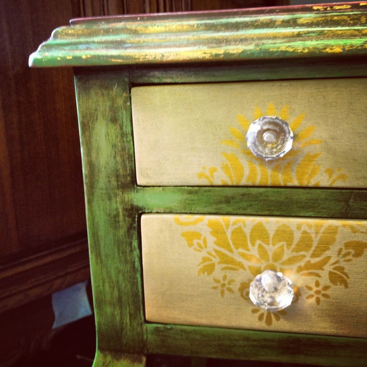 A Beautiful Desk Painted With Chalk Paint 174 Decorative