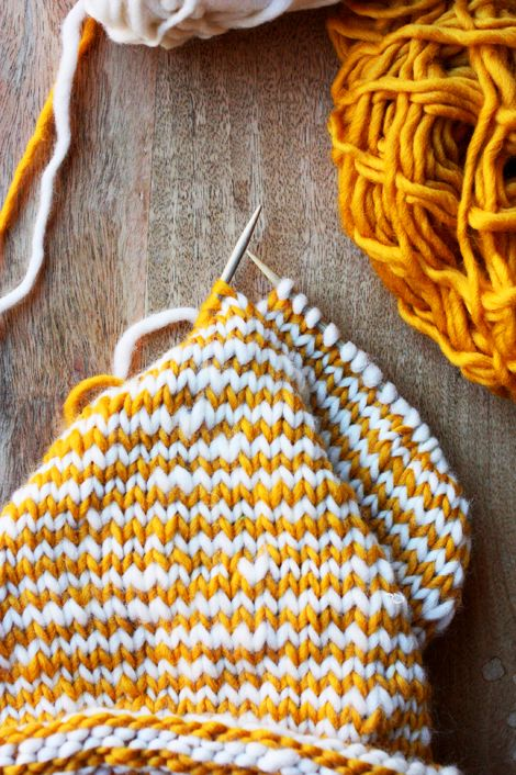 DIY | striped knit cowl | video tutorial