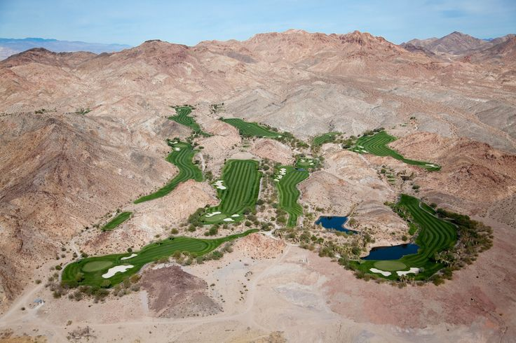 Golf Oasis in Desert Hills, Las Vegas, Nevada, USA, 2009.   22 Stunning Aerial Photos That Reveal A Beauty From Above
