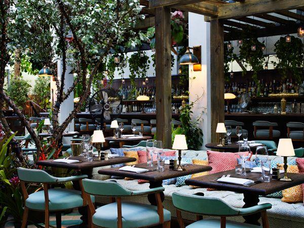 outdoor restaurant. lovelovelove.