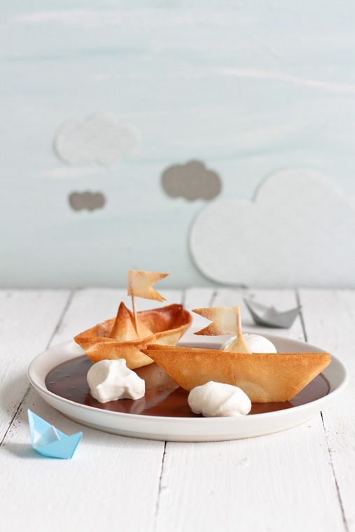 Dark Chocolate Cream with Filo Dough Boats and Whipped Chantilly Cream Rocks #recipe #cute