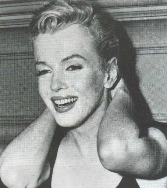 21/06/1956 Conférence de presse Sutton Place - Divine Marilyn Monroe