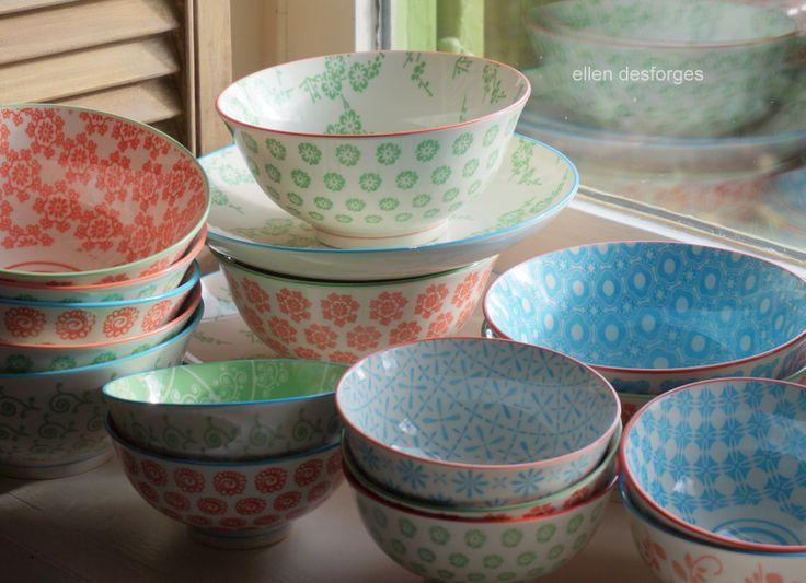 vaisselle pastel avec des motifs d'inspiration japonaise ,chez Ellen Desforges à…