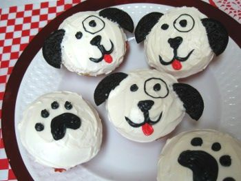 "Cupcakes for ""Puppy Love"" Valentine's"