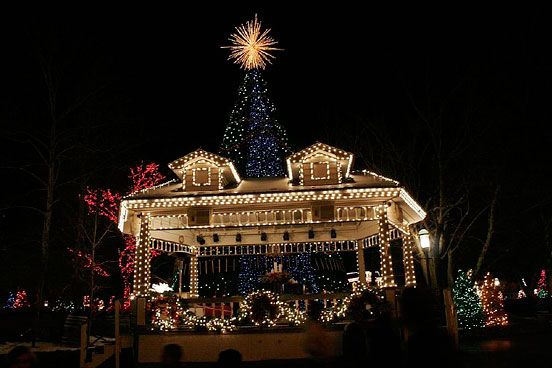 best christmas lights | 10 Best Christmas Light Displays in the US - AOL Travel Ideas