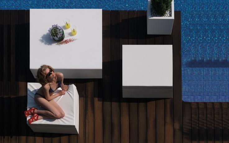 pool interior by vondom