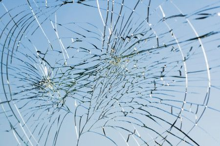 What Your New Store Can Learn From the Broken Windows Theory | 8 things you must not allow in your new store if you want it to succeed.