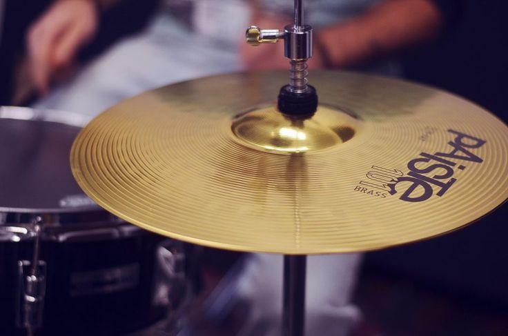 Matteo Canali (insegnante di batteria) - Sound Factory, Pescate in Via Roma 128. Scuola di musica, sale prove, registrazioni, service audio/luci. #lecco #pescate #soundfactory #music #details #drum #drumset #cymbal #paiste
