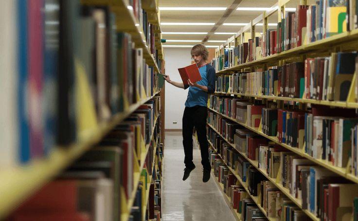 Cписки лучших книг, в разное время составленные BBC, Time, Le Monde, The Guardian, Modern Library, Норвежским книжным клубом и журналом Esquire. Фото: Ryan Larson. 500px / Creative Commons. (CC0)