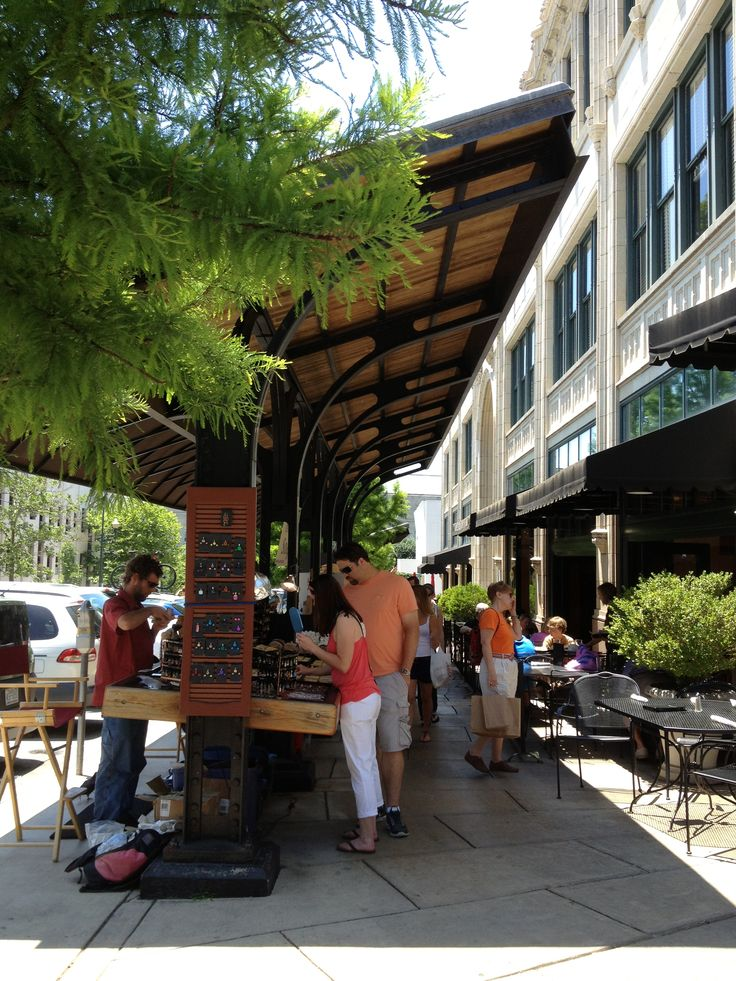 Hotels In Asheville Nc >> Street vendors in front of Grove Arcade building. Downtown ...