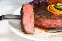 crunchy-cabbage-salad-with-ribeye-steakcrunchy-cabbage-salad-with-ribeye-steak