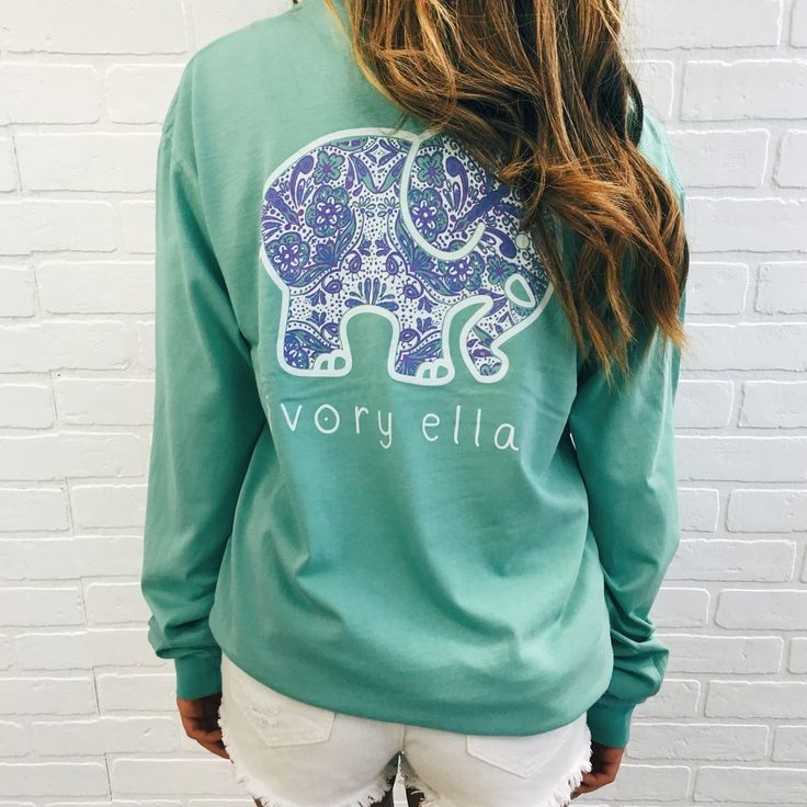 A colorful twist on our paisley print! Made of super soft cotton with a comfy & oversized fit, the perfect pair to your favorite leggings or jeans. Pigment-