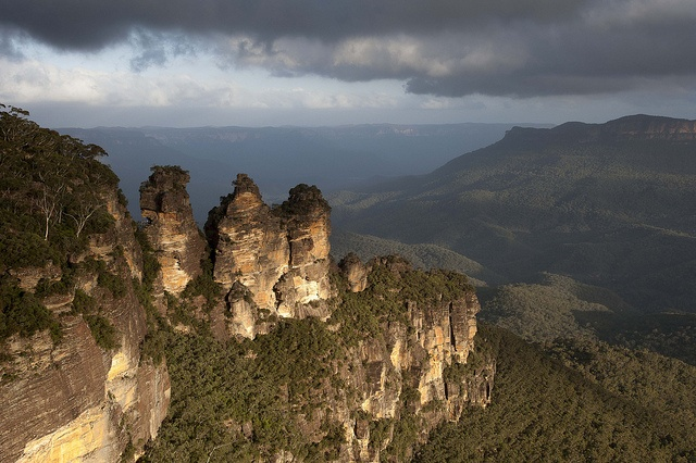 Three Sisters by Keith McInnes Photography, via Flickr