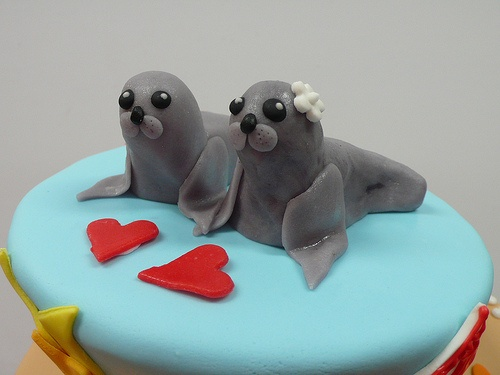 Seal wedding toppers for sea themed cake by CAKE Amsterdam - Cakes by ZOBOT, via Flickr