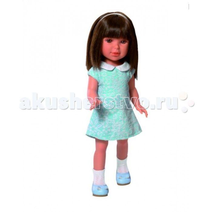 Vestida de Azul Паулина брюнетка с челкой Лето Оксфорд  Vestida de Azul Паулина брюнетка с челкой Лето Оксфорд - эта стильная темноволосая красотка восхищает с первого взгляда своим милым и реалистичным личиком, длинными густыми волосами и изысканным образом в оксфордском стиле. Добрая, приветливая и очаровательная кукла, которая поразит своим гламурным образом и невероятно реалистичной внешностью и непременно понравится вашей маленькой принцессе.  Особенности: Милая брюнетка Паулина в…