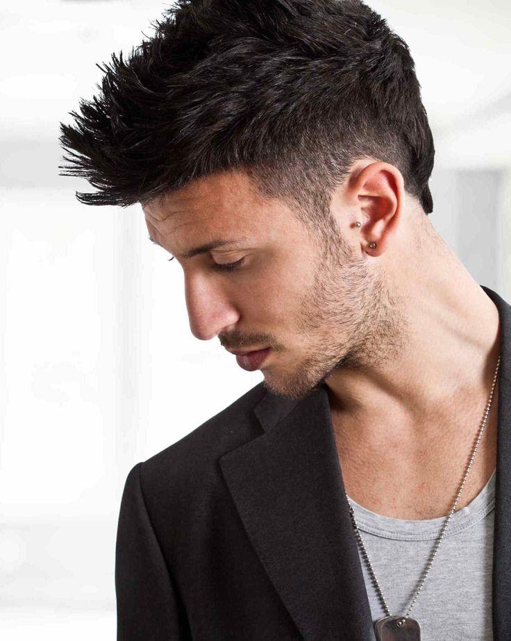 irokesenschnitt modern für Männer mit 3-Tage-Bart #frisuren #hairstyles #hair