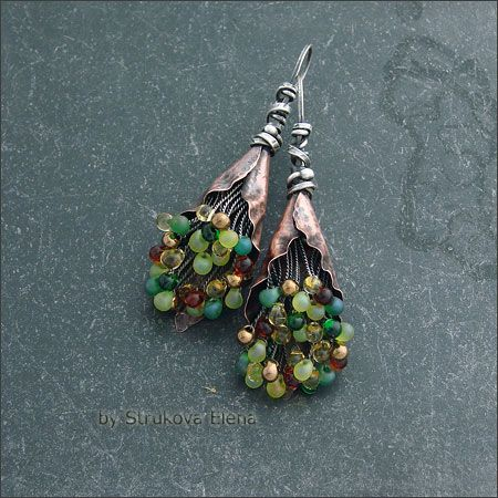 """Strukova Elena - she erites """"my special earrings with colored beads Miyuki, made of silver and copper"""
