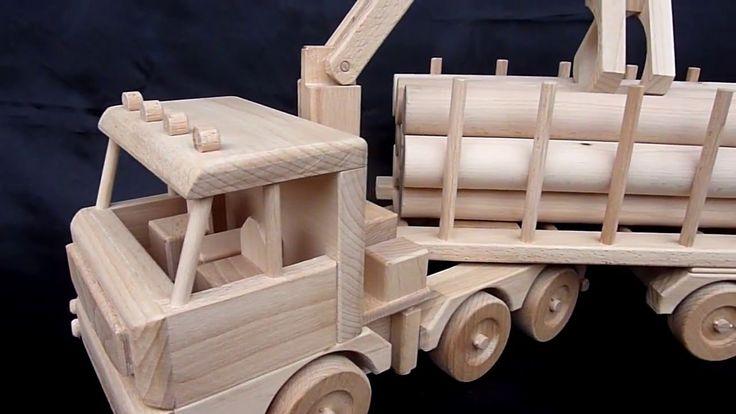 Obrovské lesní auto 100% ze dřeva je úžasná hračka, ale taky parádní firemní dárek pro zpracovatele dřeva a dřevařské závody. eshop https://www.hrackyproklukyaholky.cz/vsechny-drevene-hracky/lesni-tahac-hracka-286.html