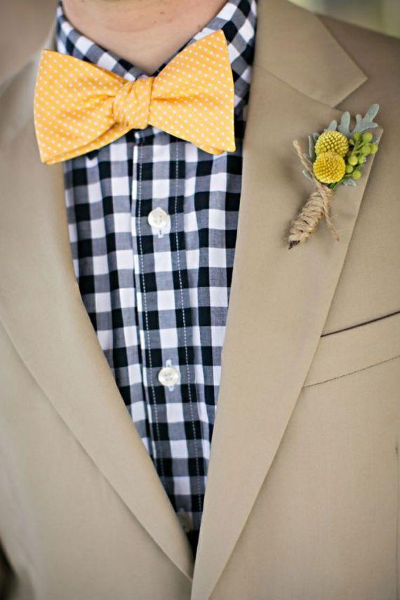 Acessório clássico, assim como o paletó/blazer e o colete, a gravata borboleta pode sim ser incorporada em composições do dia a dia, formando estilosos e criativos looks casuais.