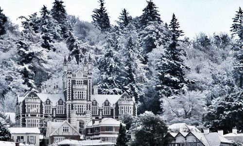 Check out this #dunnerstunner pic of Otago Boys High School covered in snow 2013  #Dunedin #gigatowndunedin
