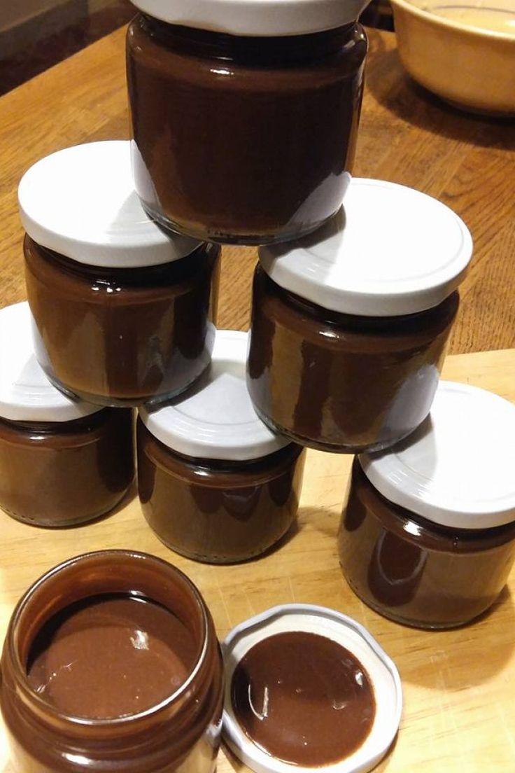 Crema di nocciole fatta in casa, ricetta crema alla nocciole senza latte