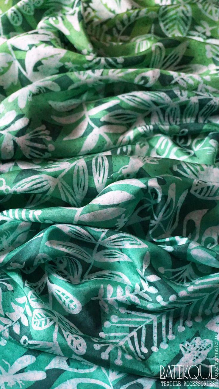 """Купить Палантин батик """"В зарослях леса"""" - зеленый, рисунок, лес, изумрудный, изумрудно-зеленый green, pattern, forest, emerald, emerald green"""