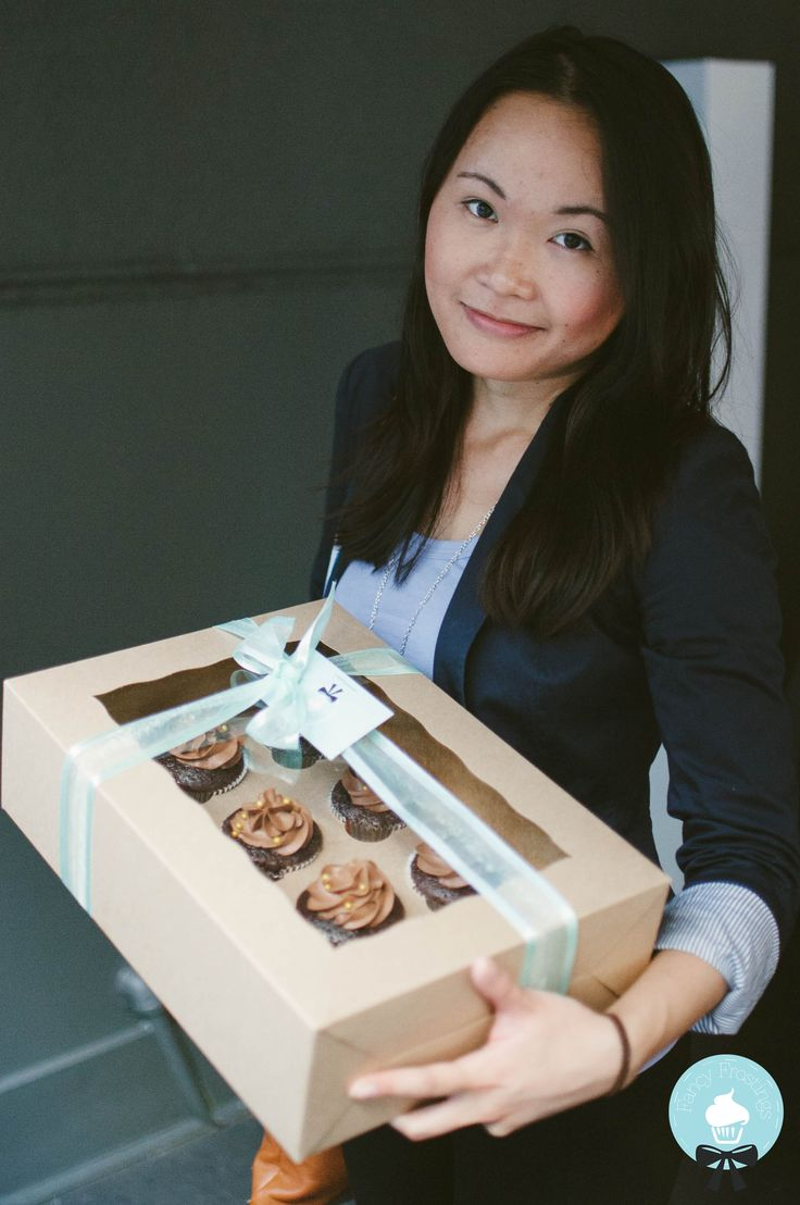 Check out this #fancy winner! At the last #TheHipHaus event, she won a free box of cupcakes from us :)