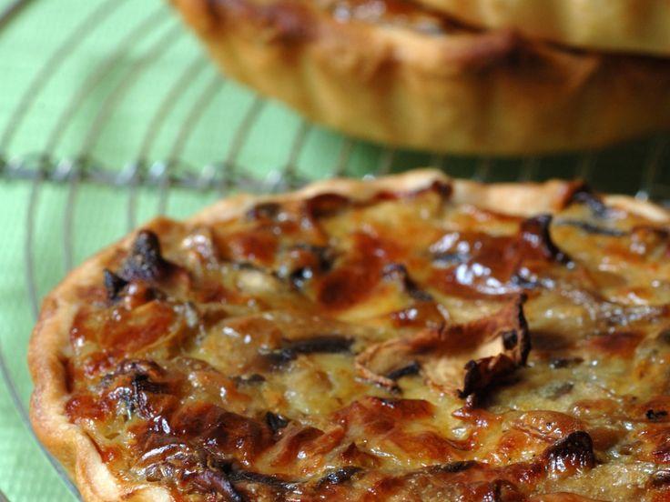 pâte brisée, champignon, citron, beurre, chèvre frais, gruyère râpé, oeuf, Poivre, Sel