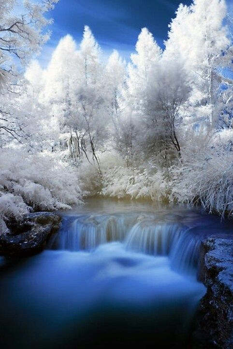beautiful snow scenes snowy waterfall