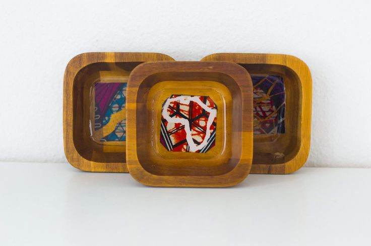 How to decorate wooden bowls with African wax and resin epoxy. Visit fayahfayah.com for instructions!