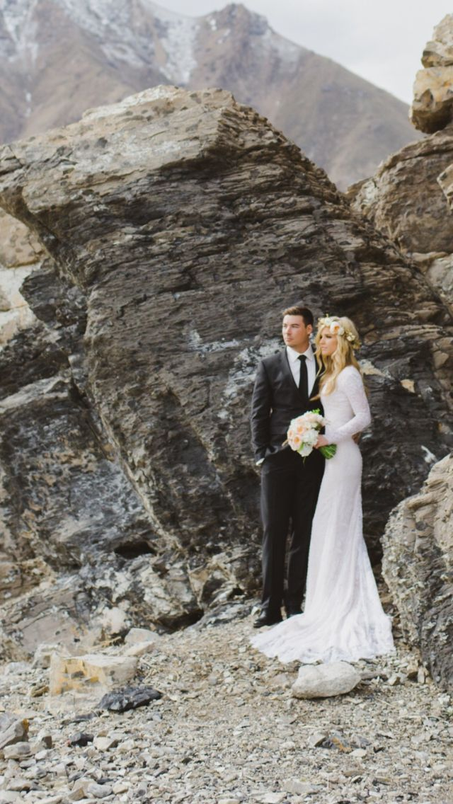 lace wedding dress with long sleeves