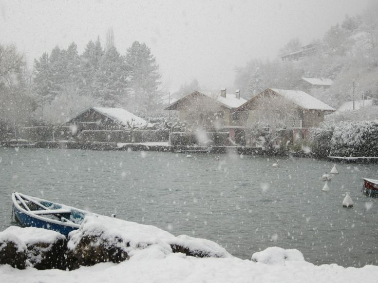 Lake Annecy www.jetaimeskippy.com.au thinks this is sublime!  #webdesigner #traveller #France #australian #skippy #jetaimeskippy #iloveyouskippy