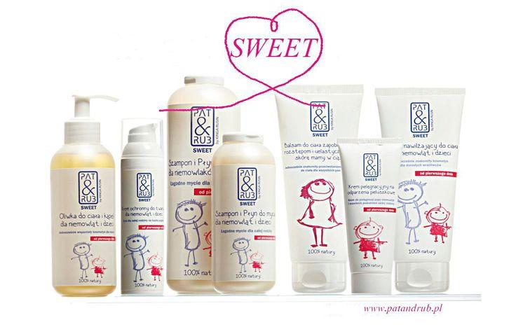 Kosmetyki SWEET OD PAT & RUB by Kinga Rusin to seria w 100% naturalnych i hypoalergicznych preparatów, mogących z powodzeniem pielęgnować zarówno delikatną skórę dziecka już od pierwszego dnia, jak i twarze oraz ciała nieco dojrzalszych wrażliwców. Przygotowana we współpracy z pediatrami i dermatologami, z surowców z certyfikatami eco, a przede wszystkim łagodna i przyjemna w użyciu. Linia kosmetyków naturalnych PAT & RUB SWEET może zaspokajać potrzeby pielęgnacyjne wszystkich członków…
