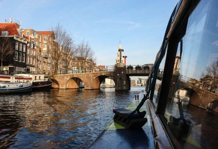 O passeio de barco em Amsterdam foi uma as atrações que mais gostei. É lindo passear pelos canais de Amsterdam