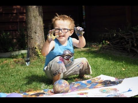 Kreatywne zabawy z wodą, balony wodne i malowanie