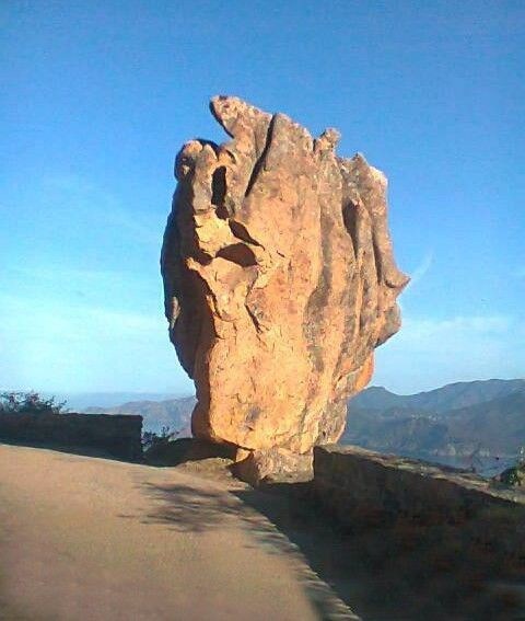 Calanques de Piana - Scandola est une réserve naturelle en Corse à la fois marine et terrestre, également inscrite sur la liste du patrimoine mondial de l'Unesco Classée en 1975, elle occupe une biodiversité remarquable entre l'étage médiolittoral et l'étage circalittoral de sa partie sous-marine. Elle a été jugée représentative des écosystèmes et biocénoses de la façade maritime du Parc naturel régional de Corse qui en est le gestionnaire.