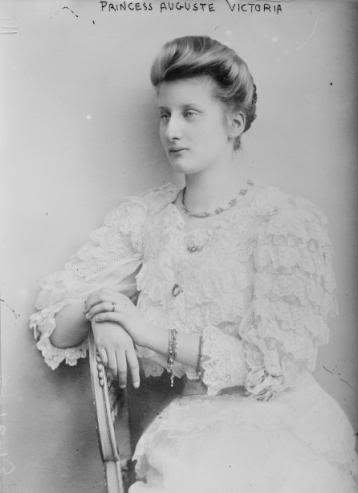Queen Augusta Victoria of Portugal: Victory, Royal Family, De Hohenzollern Sigmaringen, King Manuel, German Royals, Manuel Ii, Royals Families, Augusta Victoria, De Portugal
