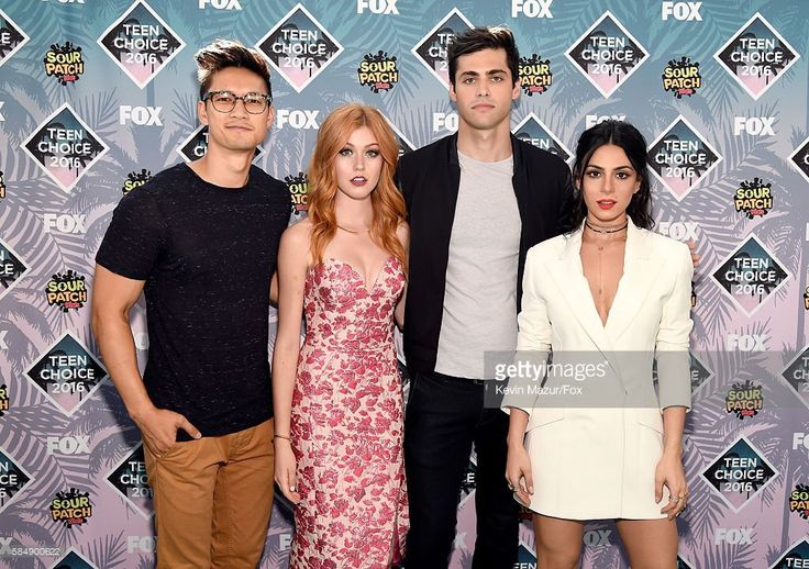 Teen Choice Awards 2016! Shadowhunters won Choice TV Breakout Show and Matt won Choice Breakout TV Star! Congrats!!