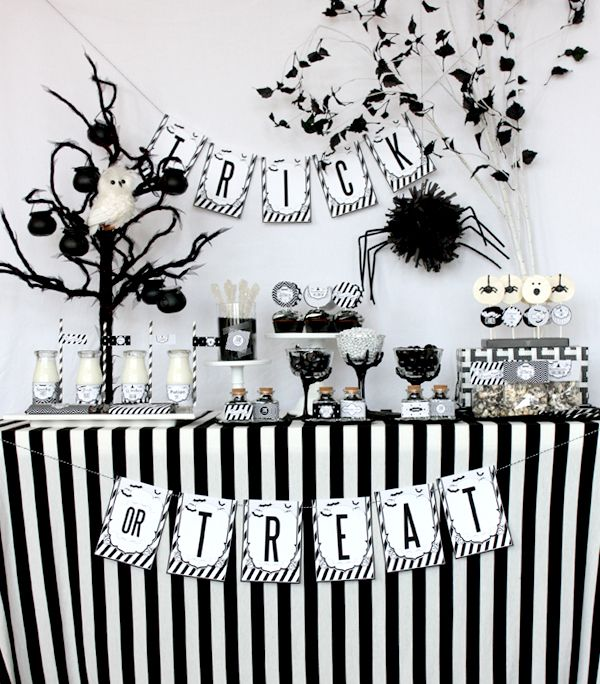 wants and wishes party printables black and white sophisticated printable halloween collection - Black And White Halloween Party