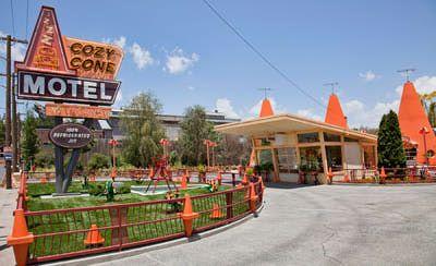 http://themeparks.about.com/od/disneyland/ss/Disneyland-Best-Quick-Service-Restaurants_4.htm