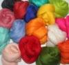 *** Hobi Keçe *** Yeni Zelanda yünü doğal renkleri ve renk vurgularını birleştirmek için en uygun olan yün cinsidir, özel keçe tasarımlar için mükemmel çözüm sağlar.  İnce lifli merinos keçe yünü 50 renk seçeneği ve 250 gr lık ekonomik poşetlerde toptan ve parekende satışlarımız mevcuttur.    250 gr yün 20 lira
